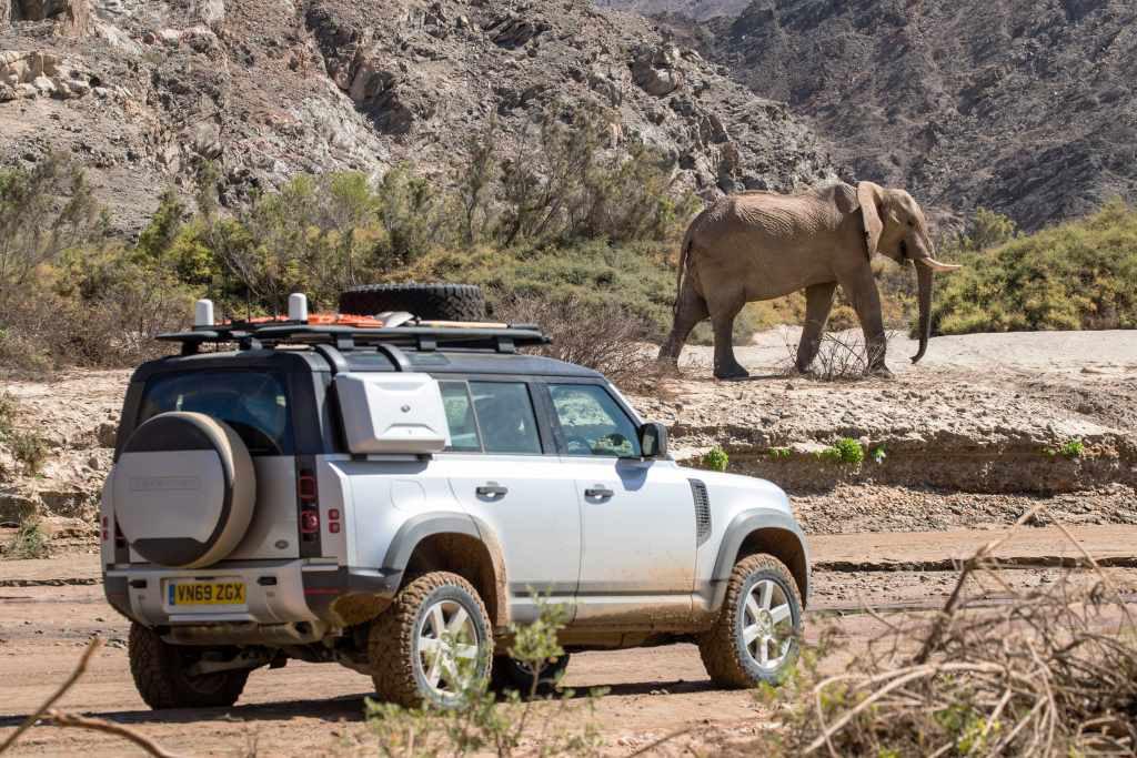 LR_DEF_20MY_NAMIBIA_05