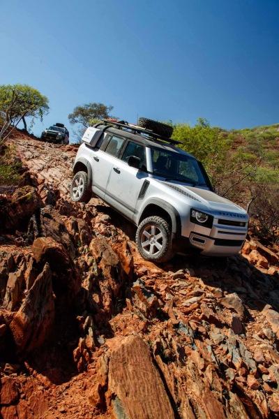 LR_DEF_20MY_NAMIBIA_ROCKY