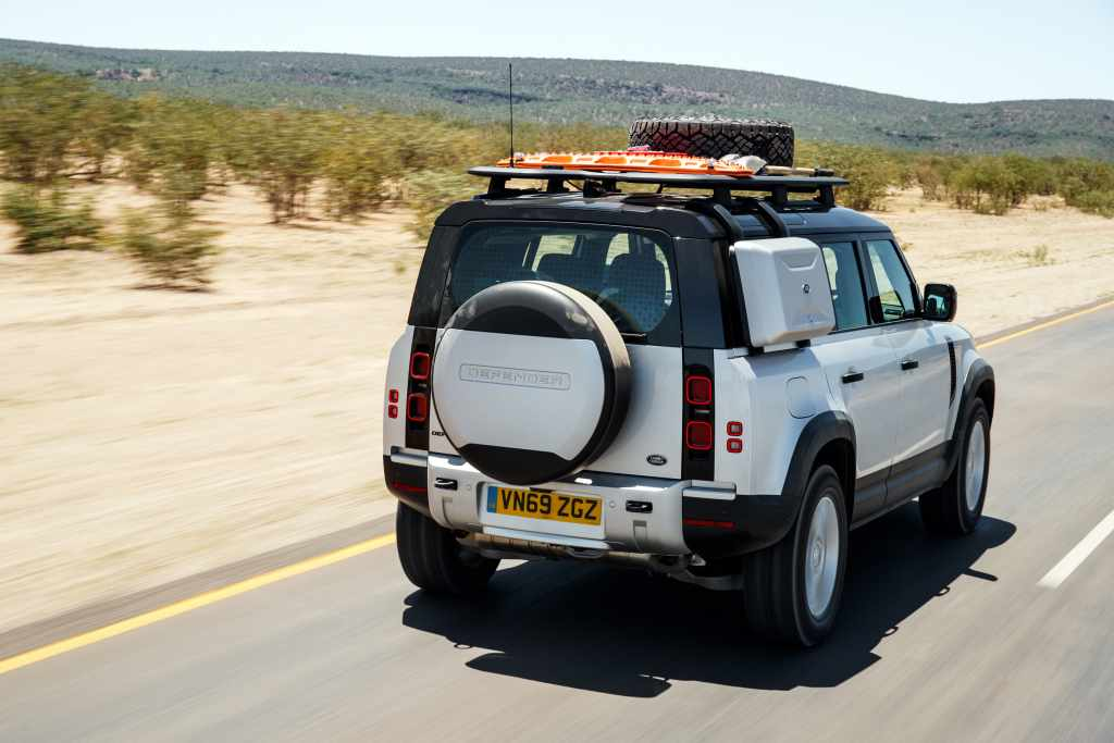 LR_DEF_20MY_NAMIBIA_ONROAD_250320_08