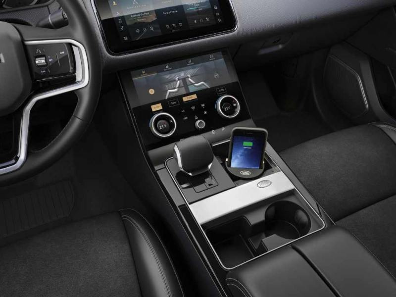 25.RR_Velar_21MY_S44_Wireless_Charging_230920