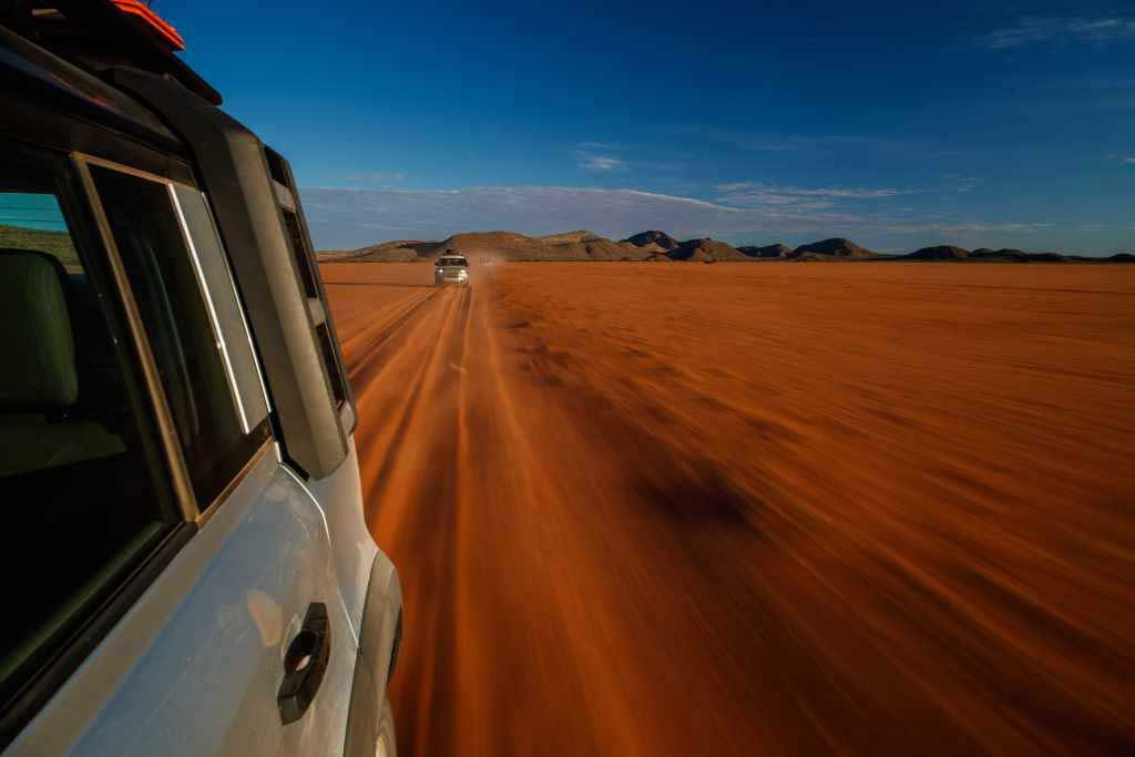 LR_DEF_20MY_NAMIBIA_02