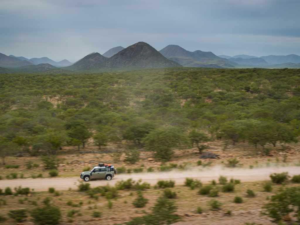 LR_DEF_20MY_NAMIBIA_06