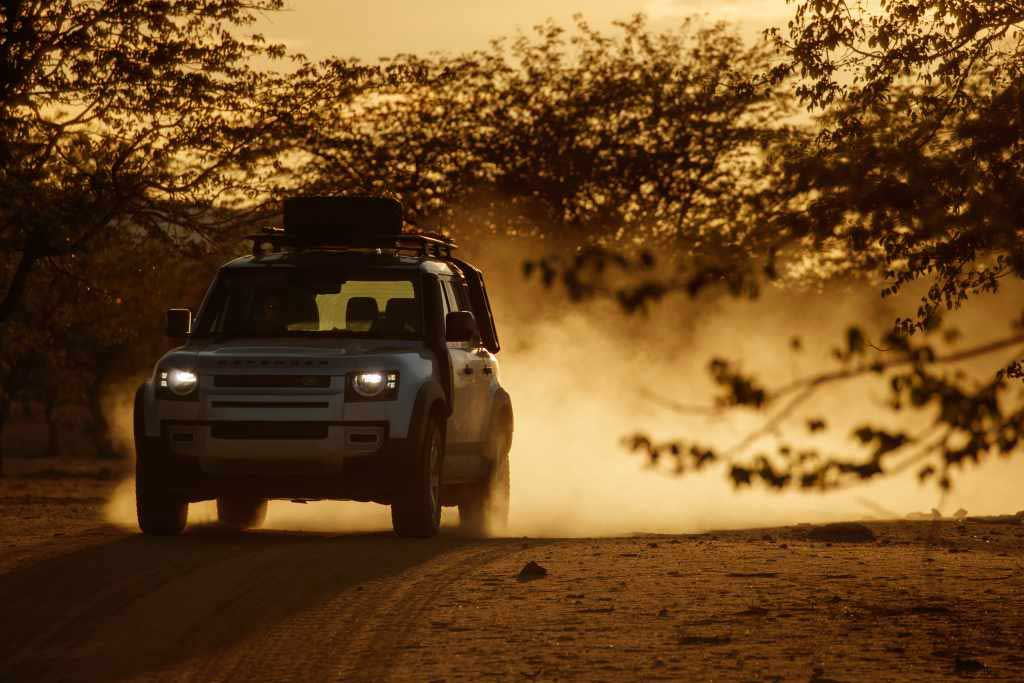 LR_DEF_20MY_NAMIBIA_SAND2