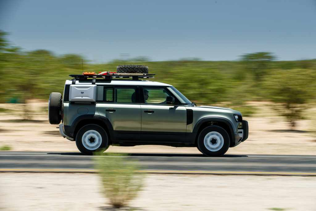 LR_DEF_20MY_NAMIBIA_ONROAD_250320_09