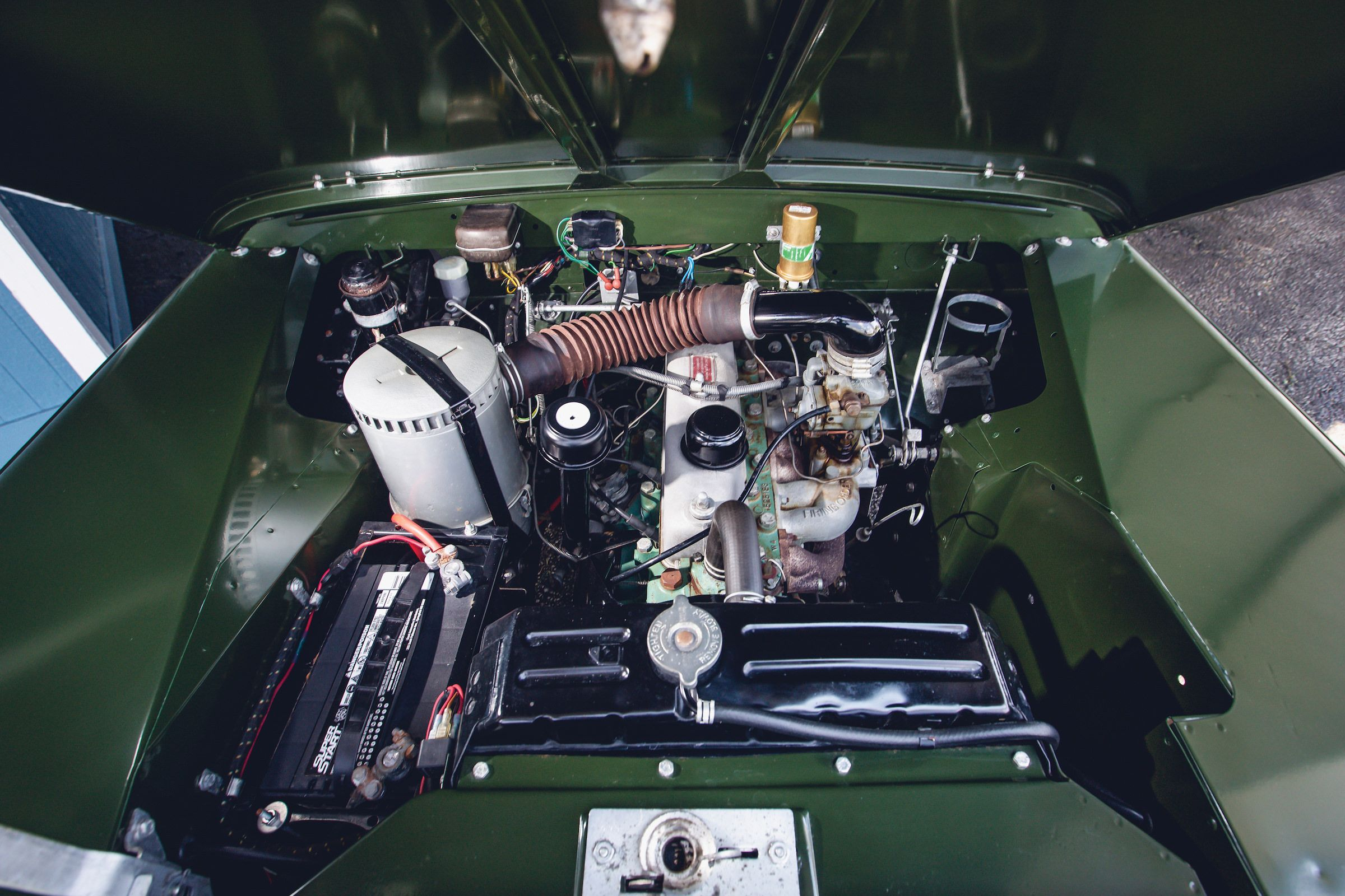 Land-Rover-Series-2A-Engine
